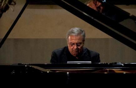 20181212193444-22-siempre-la-fiesta-al-piano-de-jose-maria-vitier.jpg