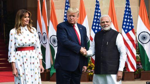 20200225213651-el-primer-ministro-indio-narandra-modi-y-trumo-25-02-20.jpg