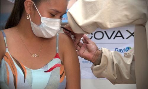 20210903061027-lateclaconcafe-vacunacion-covid-19-en-america-latina.jpg